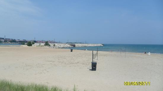 Ameristar Casino Hotel East Chicago: Lake Michigan Public Beach