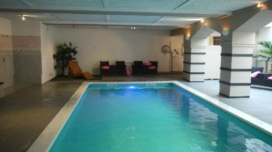 Pool picture of floris karos hotel bruges tripadvisor for Bruges hotels with swimming pools