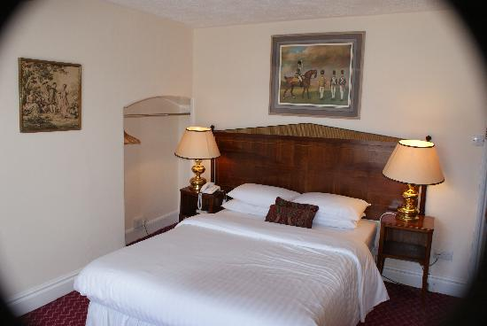 Thrapston, UK: Another typical double room