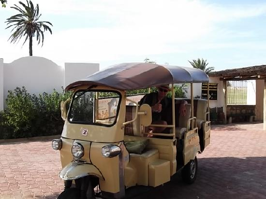 Hotel Kanta : free taxi to private beach