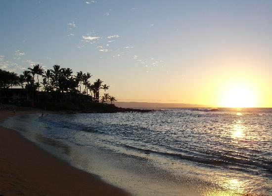 Napili Sunset: The evening view from your Lanai