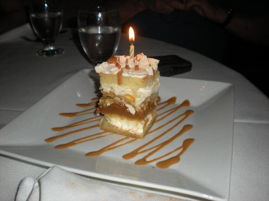 Carlitos Gardel : Amazing cake with dulce de leche