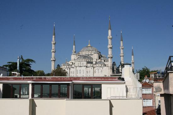 โรงแรมซารี โคนัค: View of Blue Mosque from Terrace