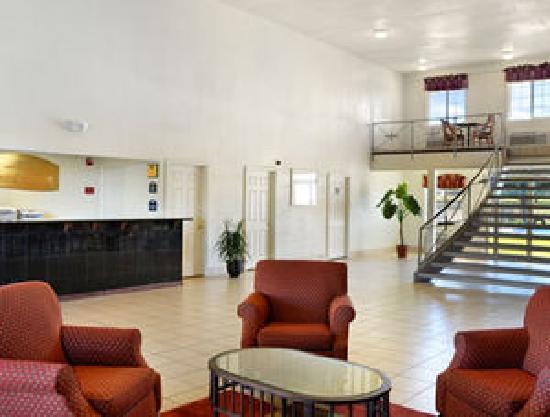 Knights Inn Salina: lobby