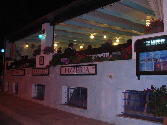Azzurra ristorante pizzeria: ristorante visto dalla strada