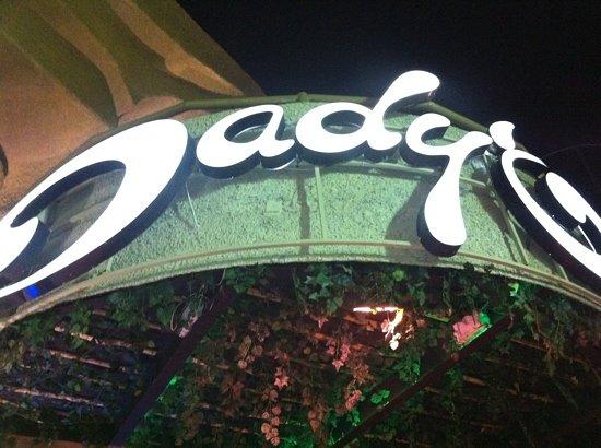 Dady O: main entrance