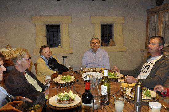 le diner avec des amis picture of le mas des aromes