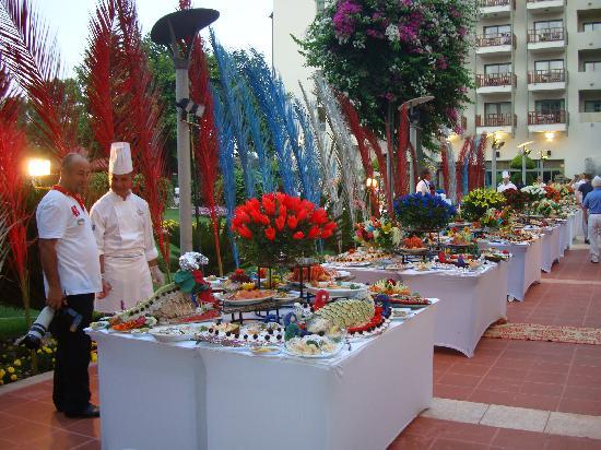 Club Med Palmiye: lesbuffets le soir à l'hôtel