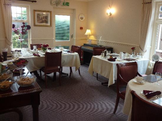 Pendragon House Bed & Breakfast: Breakfast Room