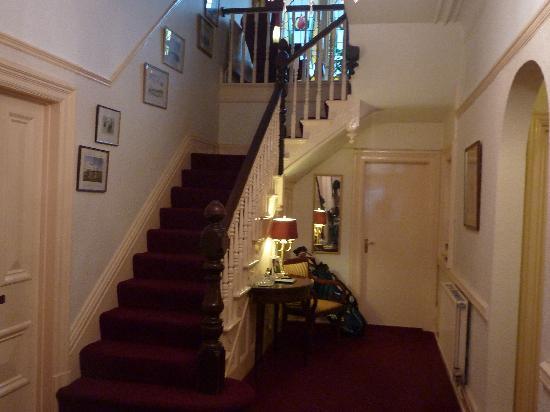 Pendragon House Bed & Breakfast: Foyer