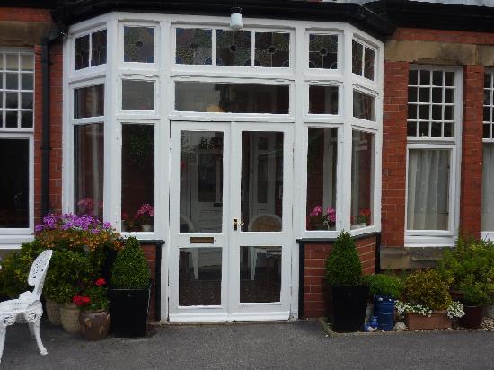 Pendragon House Bed & Breakfast: Front Door