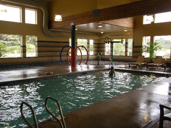 Driftwood Shores Resort & Conference Center: Super warm pool and aquatic park