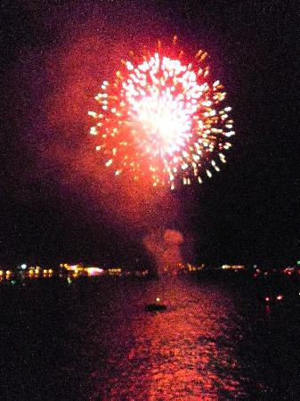 Melody Manor Resort: fireworks as seen from aboard the steamboat Thursday nights