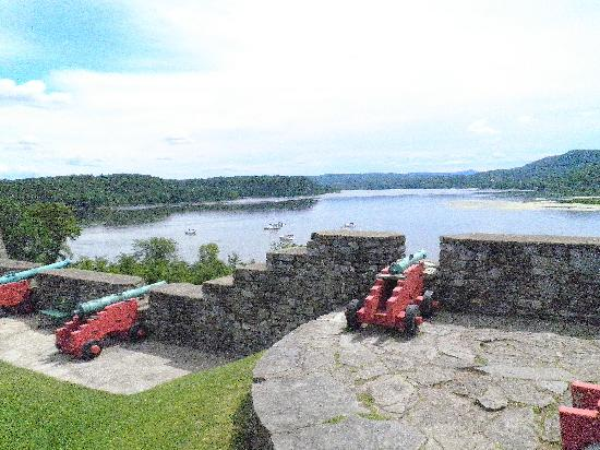 Melody Manor Resort: Fort Ticonderoga is in between Lake George and Champlain