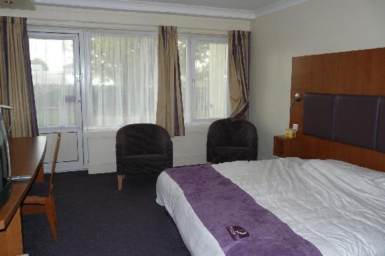 Premier Inn Bristol (Alveston) Hotel: Room Number 27