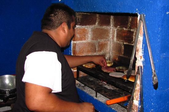Hamburguesa House: Jorge creates some special burgers at The Burger House...well kiosk