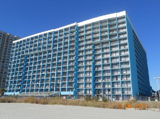 Landmark Resort : beach view of hotel