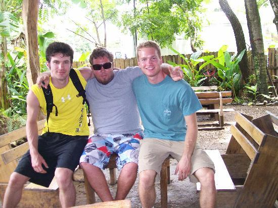 Hostel Costa del Mar : Scott, Cesar, and Me