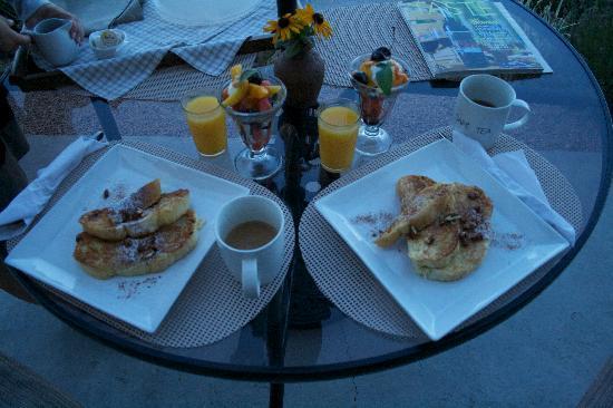 Brin de Soleil B&B: Breakfast