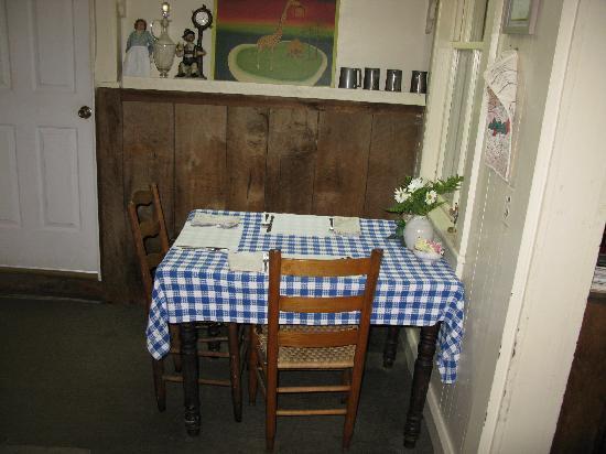 Helvetia Hutte Restaurant: table for two