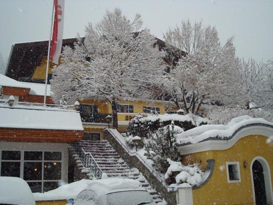 Grundlers Hotel Restaurant Spa: depuis le parking