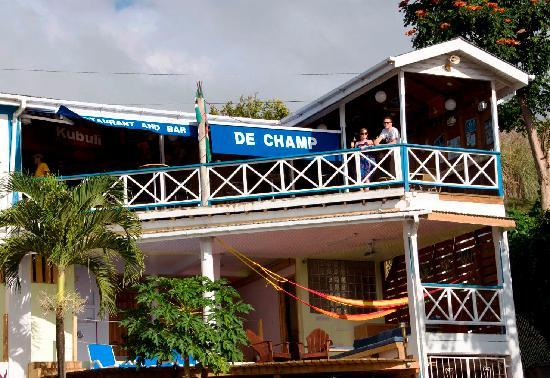The Champs, Hotel, Restaurant & Bar: The leisure-jacuzzi area and the restaurant & bar
