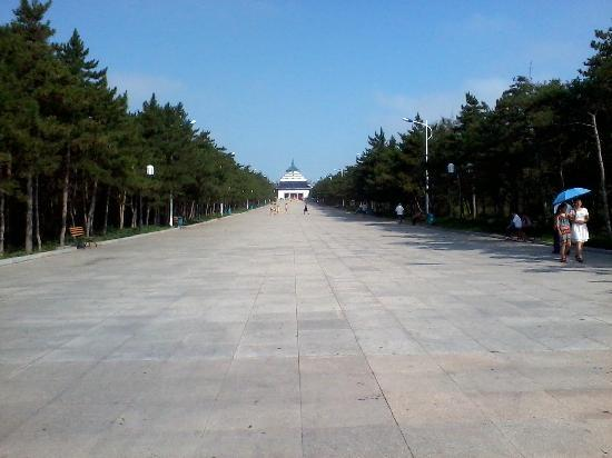 Genghis Khan Temple: view from entrance