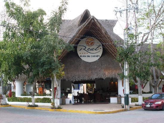 Real Playa del Carmen: Ingresso principale