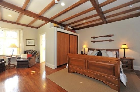 Shelbourne Villa - Master Suite