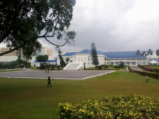 Grand Palace Park (Istana Besar): view of the palace
