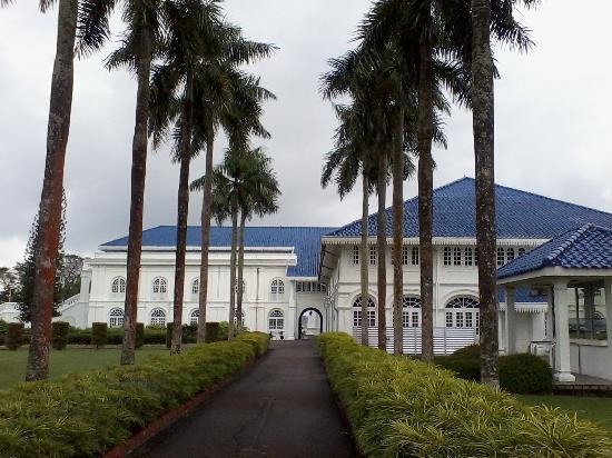 Grand Palace Park (Istana Besar) : view of palace
