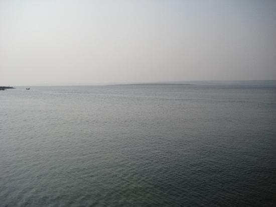 Nagarjuna Sagar Dam : DAM  or OCEAN?