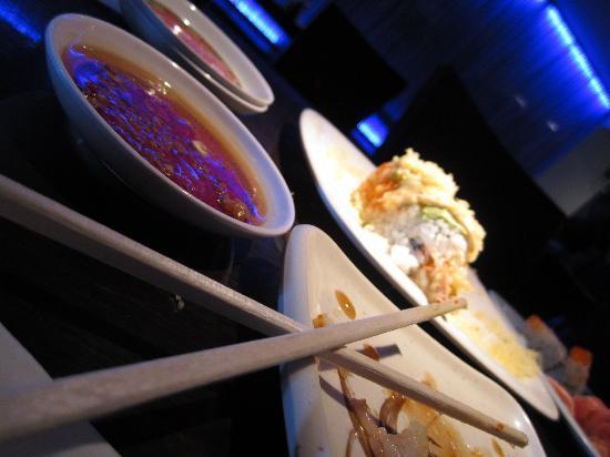 Akashi Japanese Restaurant: Keep it coming