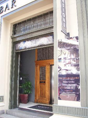 Pensione Hotel Sydney - by 8Hotels: Front door, note Reception is upstairs