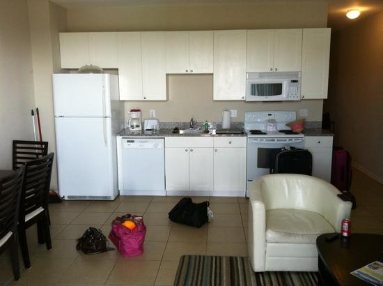Cabana Cay by Oaseas Resorts : The kitchen / living area