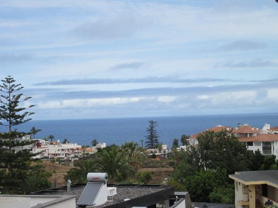 Hotel Perla Tenerife: roof top view towards sea