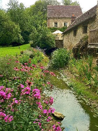 Le Moulin de Lonceux : The Moulin's Garden