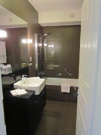 Adina Apartment Hotel Budapest: Bathroom