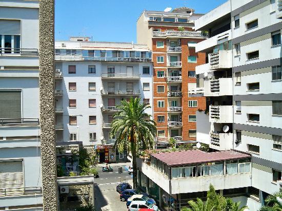 Alla Terra del Mare: Vista su Via San Benedetto
