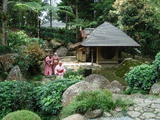 Colmar Tropicale, Berjaya Hills: Muslim girls in Japanese dress