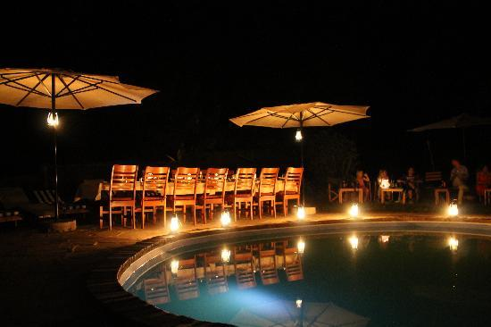 Murera Springs Eco Lodge: Dinner by the pool