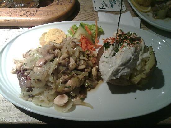 Hansens Brauerei : Filetto e backet Potatoes