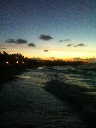 Grand Lucayan, Bahamas: 6 AM sunrise