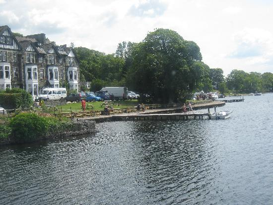 Holmlea Guest House: view from the boat  on windermere