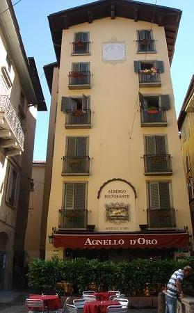 Hotel Agnello d'Oro: Outside front view