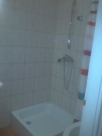Buro Panzio: bathroom