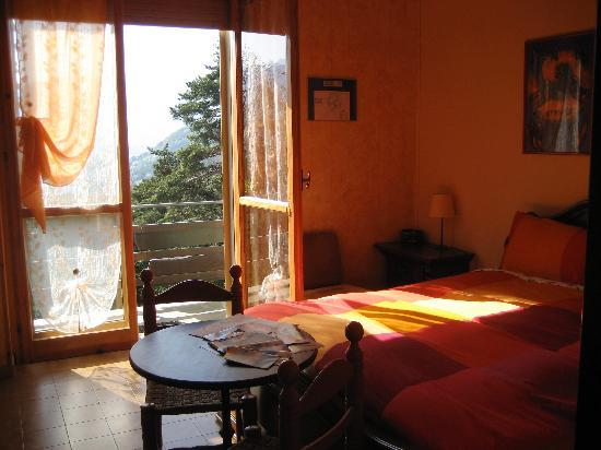 Bella Baita Bed & Breakfast: Bella Baita Room View