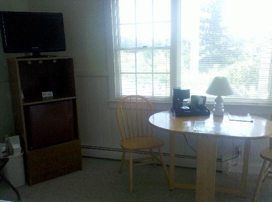 Ocean View Motel: Brewster Room