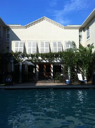 Hampton Inn and Suites Charleston/Mt. Pleasant-Isle Of Palms: great pool setting