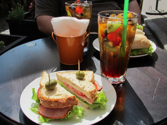 Sweetday Cafe: Sandwich, ice teas and ciabatta.